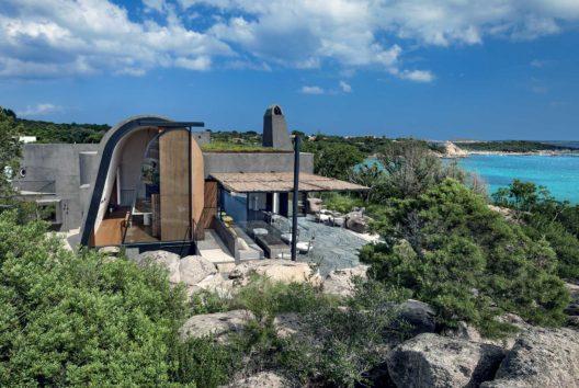 L'architecte Stefania Stera lève le voile de deux villas. Maisons de rêve, palais contemporains, l'immobilier de luxe. Architecture